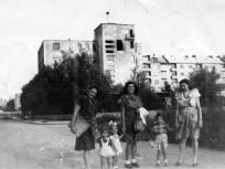 1947, Diószegi út a Tas vezér utca felé nézve, jobbra a Zsombolyai utca torkolata